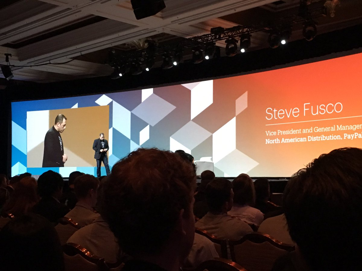 GroupeSmile: Steve Fusco from @PayPal on stage #MagentoImagine https://t.co/TdVl5YPUJ4