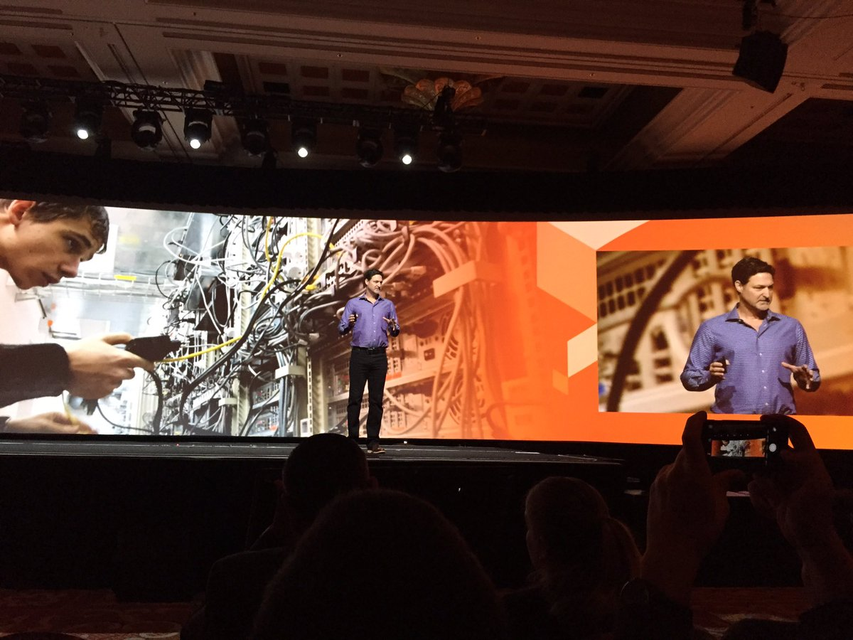 ignacioriesco: Time for new announcements @mklave1 @magento #MagentoImagine Magento Enterprise Cloud Edition. https://t.co/tnyZKyS7GO