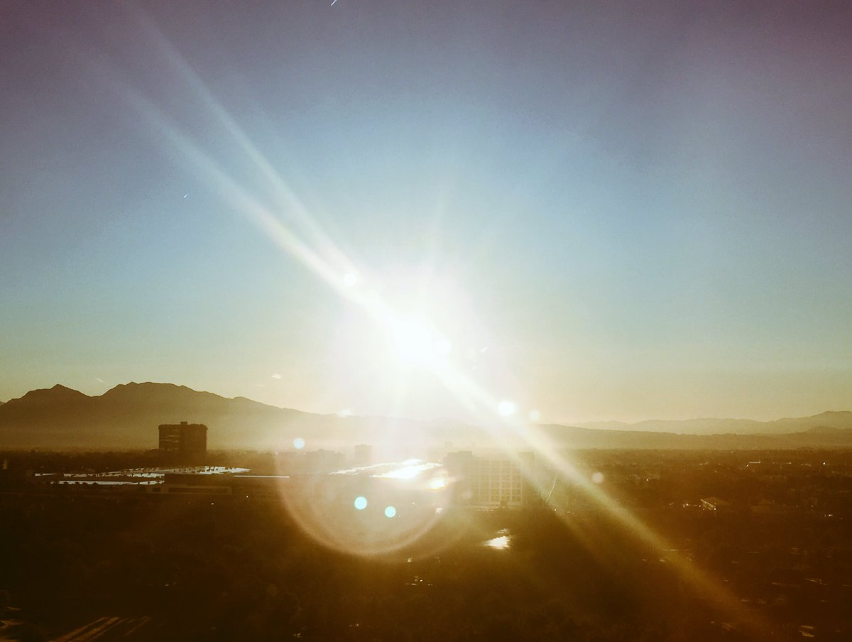 benmarks: The sun rises on the first full day of #MagentoImagine. https://t.co/piKcNJuK3y