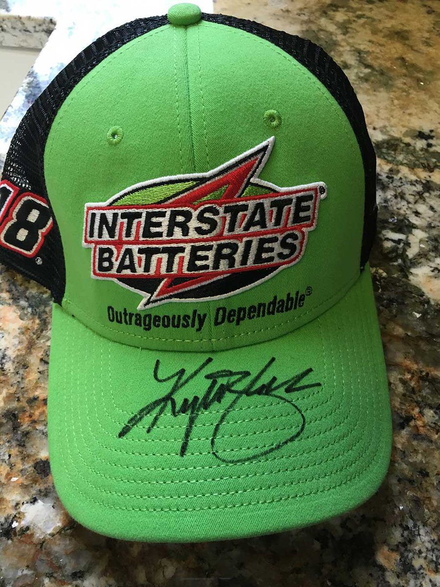 Want 2 win my @interstatebatts Victory Lane hat? I'll pick a random winner once this gets 1,818 retweets.