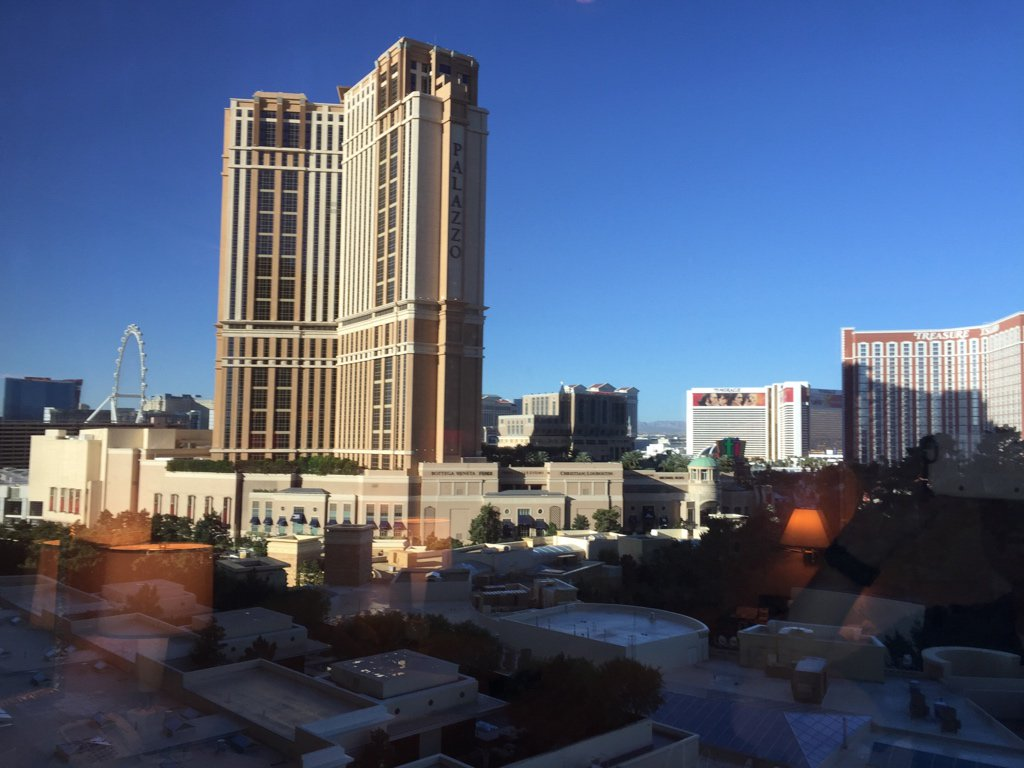 joshdw1: Nice morning in Vegas, ready for day 2 of #MagentoImagine! https://t.co/rXvsKHhrvy