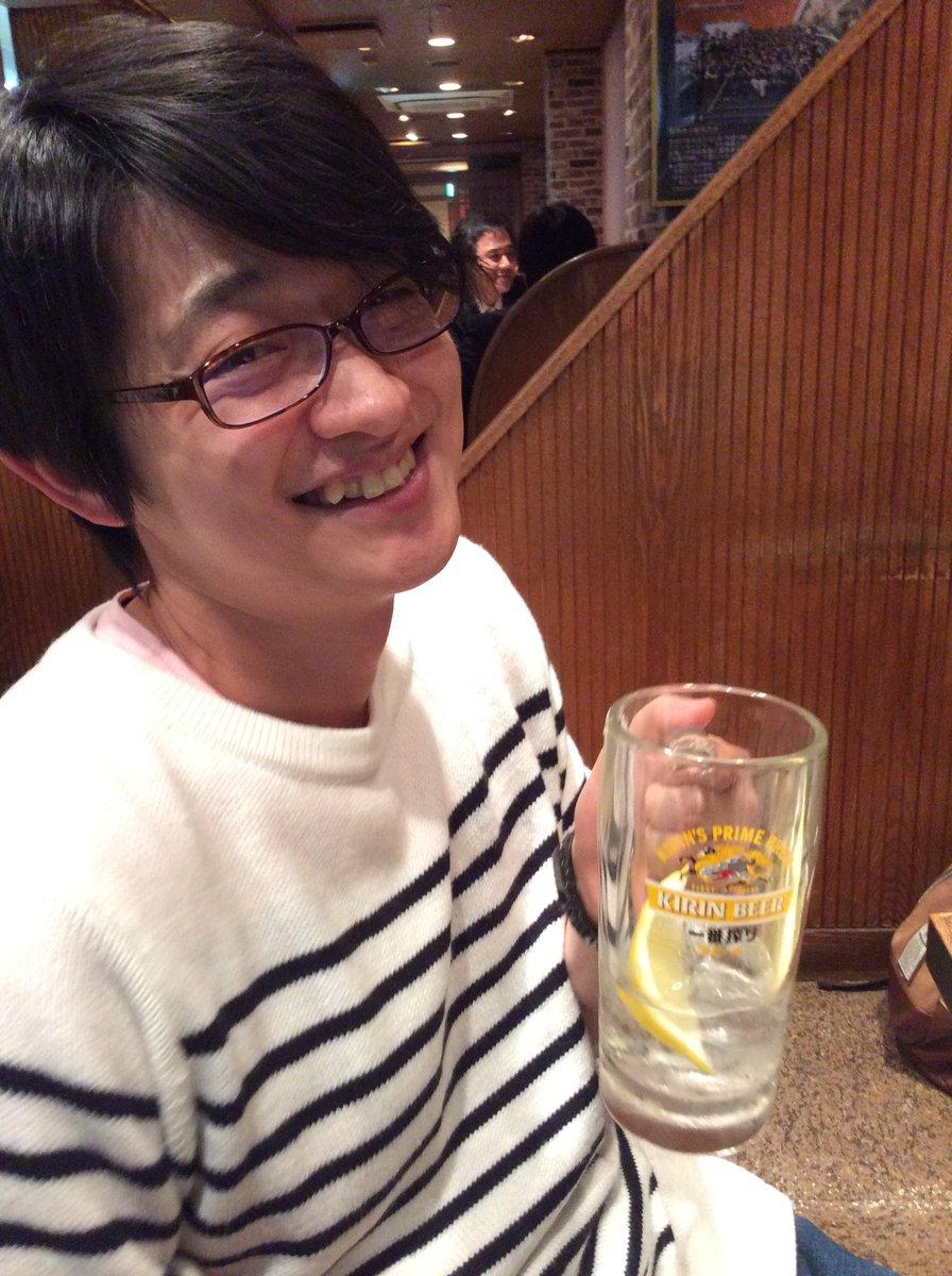 なんかねぇ、今日、急に飲んだ。そして、付き合ってくれた。下野紘君。ありがとう。もう少し頑張れる。 https://t.co/JlW9RlV8KW