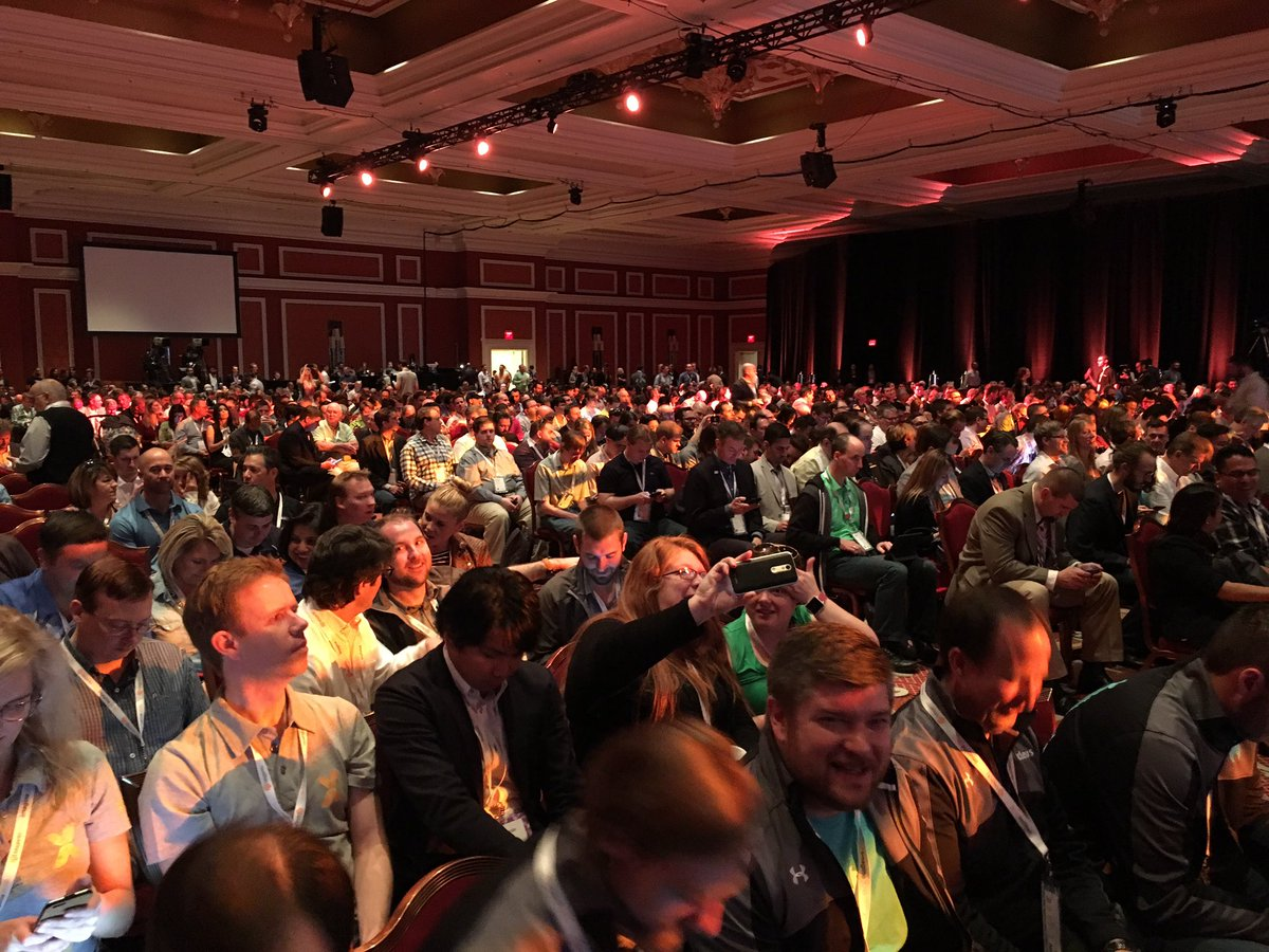 FredPlais: Room's completely packed for the #MagentoImagine keynote @platformsh https://t.co/WYG7MsCrb2