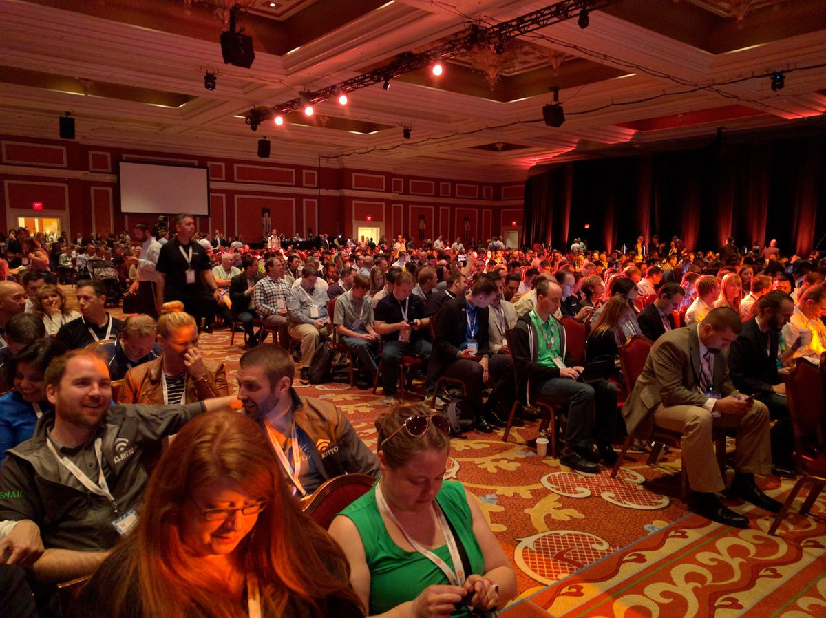 theseattlesuit: Packed house for first keynote at #MagentoImagine https://t.co/P6l06A5XkX