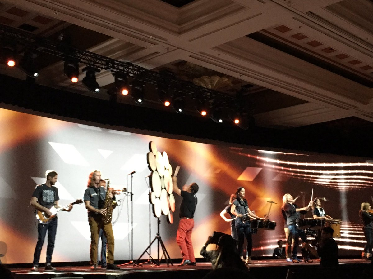 magentogirl: Awesome music kicking off the keynote at #MagentoImagine https://t.co/QG9u9DwCw3