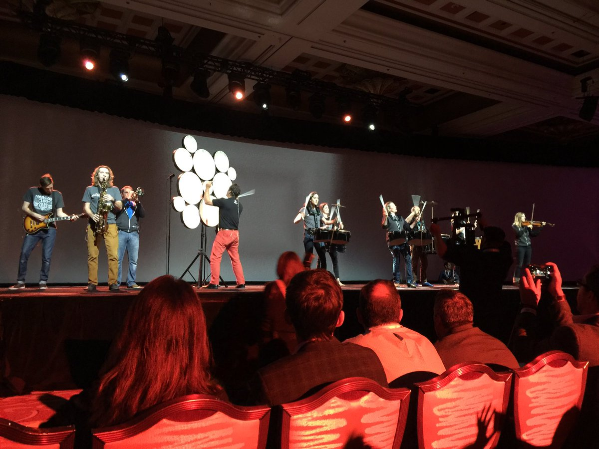 alexanderpeh: Hell of a way to open the #MagentoImagine Keynote sessions n🎸🎷🎹 https://t.co/lYR2UCTwIR