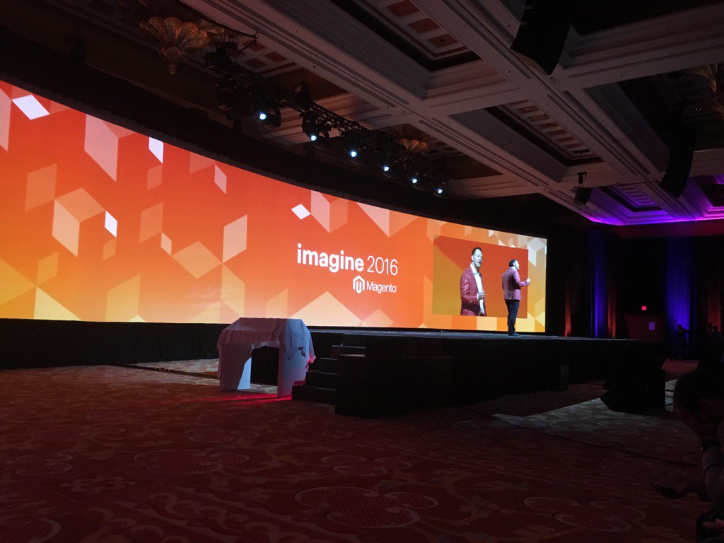 brentwpeterson: At #MagentoImagine with @JC_Climbs https://t.co/2dXvmDsVaa