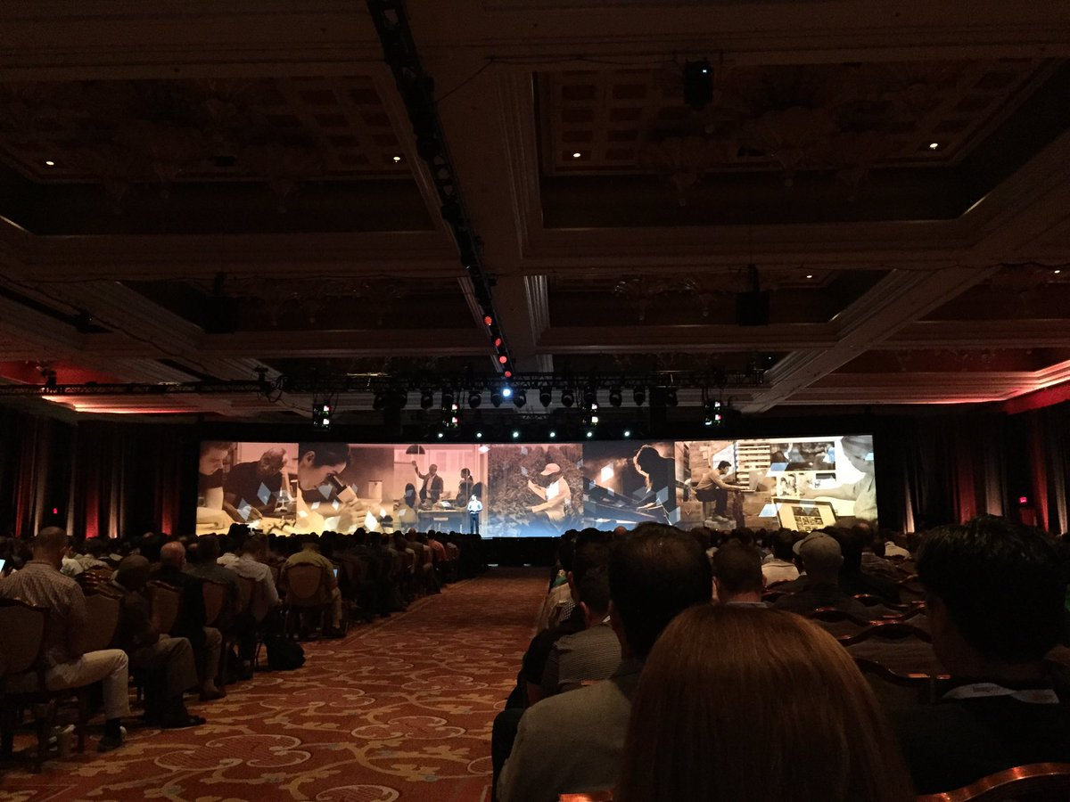 magento_rich: .@mklave1 talks about how the customer dictates the brand. #MagentoImagine https://t.co/0a9GztjPOW