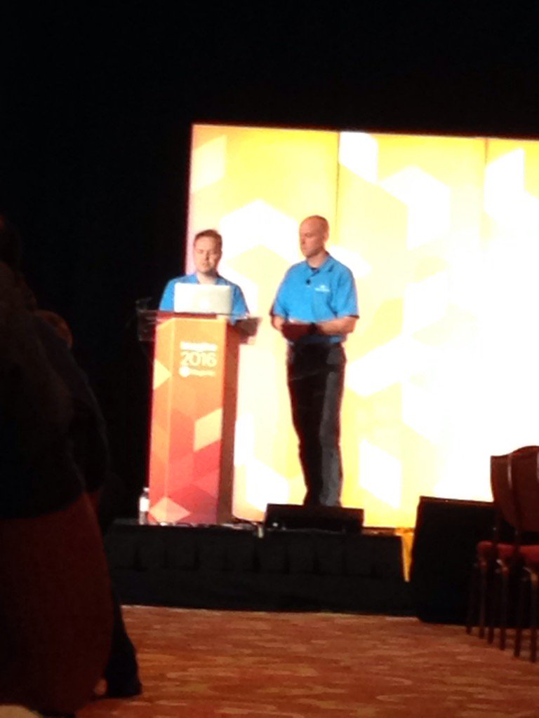 Vijaygolani: Magento2 session in #MagentoImagine by @brentwpeterson and @FutureDeryck https://t.co/YgKc4gc3YX