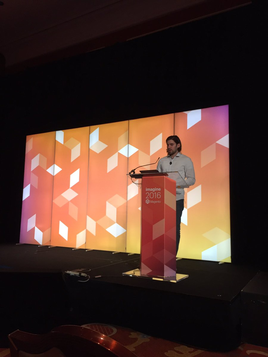 MagentoKeren: 'In B2B ecommerce most sessions start with search' said @Falkowski #MagentoImagine @celebrossearch https://t.co/Kdio4t7L14