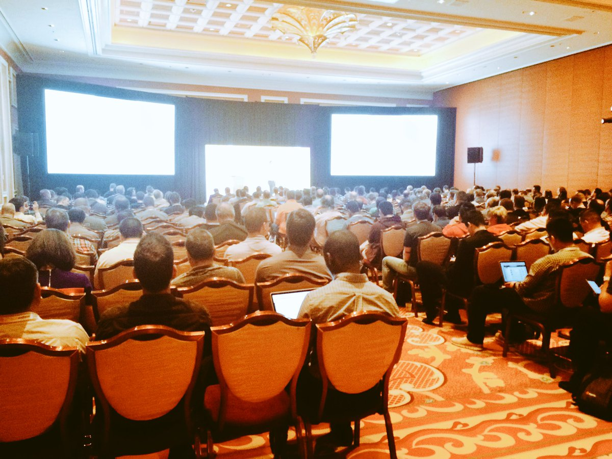 mmiller75: Full house in the #MagentoCloud technical session at #MagentoImagine! Nowhere to go but up! https://t.co/HVYXSI66Ti