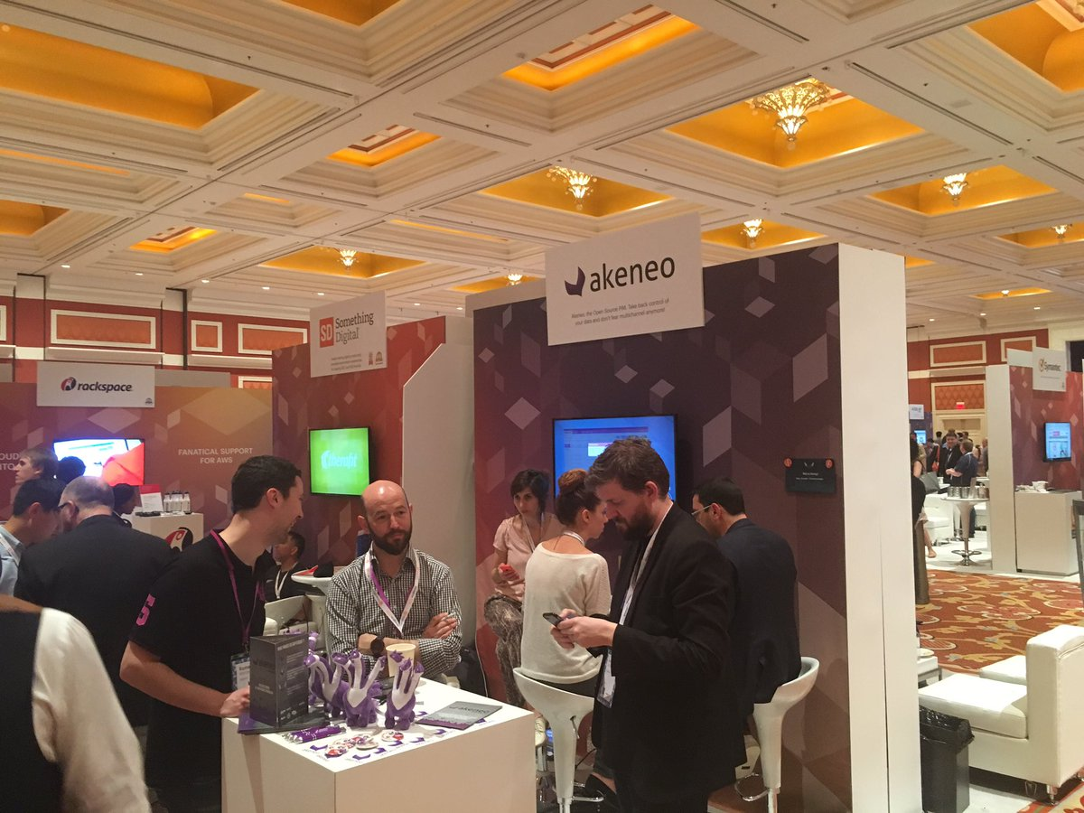 GroupeSmile: Our partner @akeneopim's booth at #MagentoImagine #pim #ziggythehydra https://t.co/s9eDUGBzz6