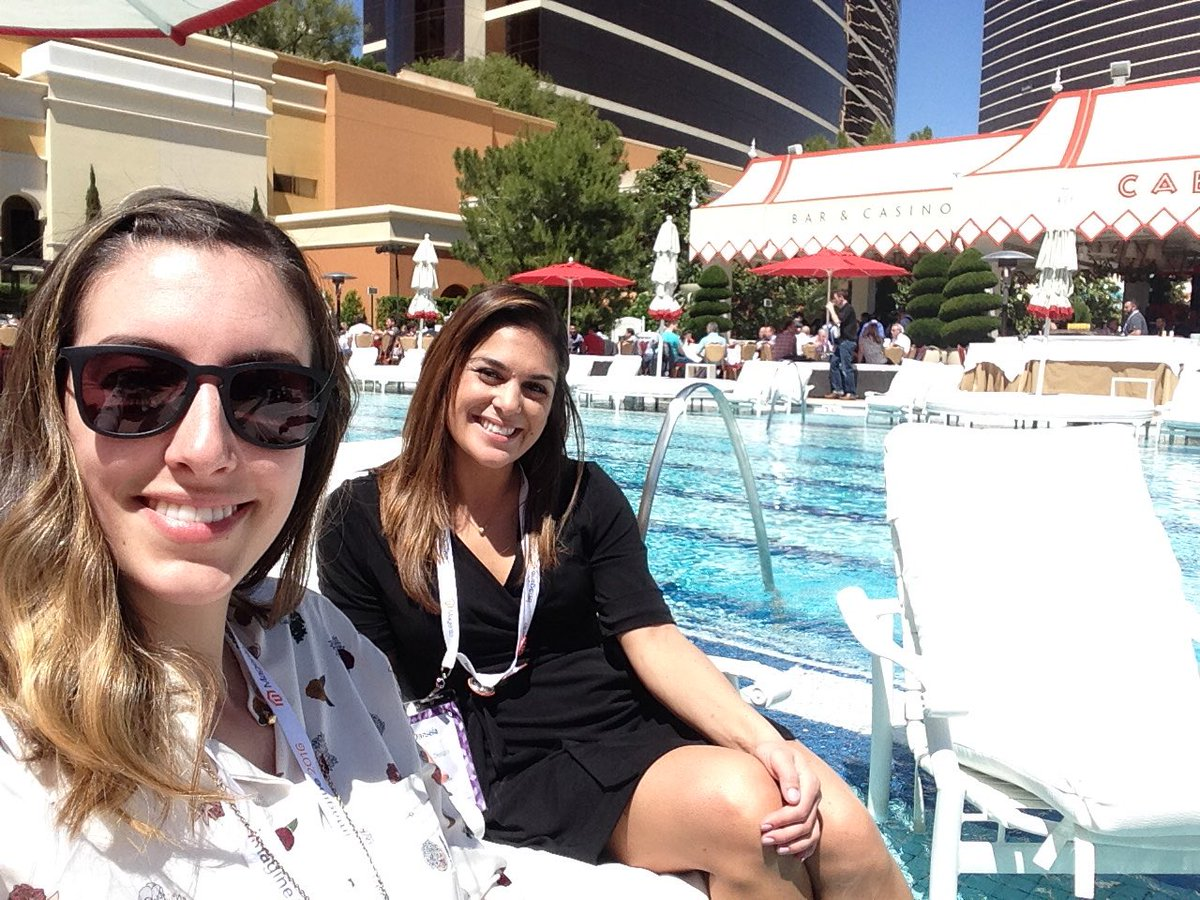 SheroDesigns: #teamshero soaking up some rays at #MagentoImagine https://t.co/ncCMLxWgZz