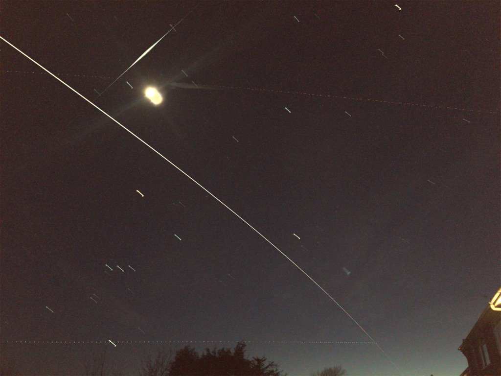 Wow - perfectly clear evening for #ISS flyby and also maybe an iridium flare... Stunning to watch. @VirtualAstro https://t.co/toDvtwqDBI