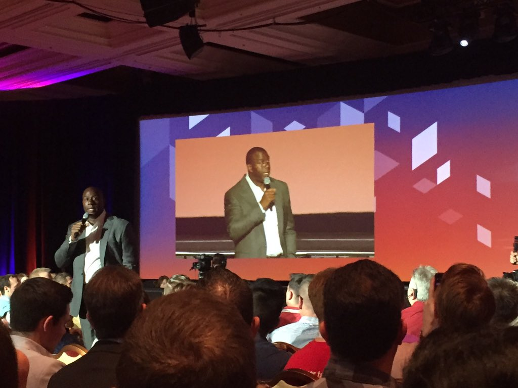 vaimoglobal: Our keynote speaker tonight, @MagicJohnson 👏🏻 #MagentoImagine #Vaimo https://t.co/WjPUQAky27