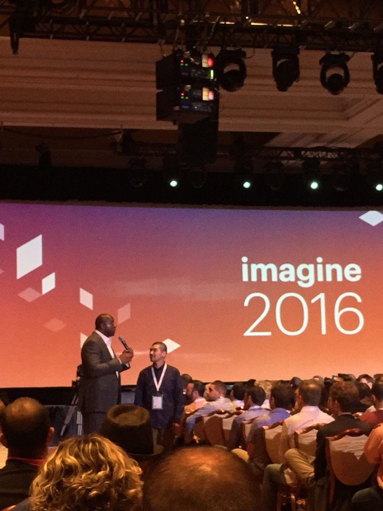 JoshuaSWarren: #MagentoImagine - @MagicJohnson interacting with the crowd. Awesome speaker! https://t.co/ARYKJMa0Pa