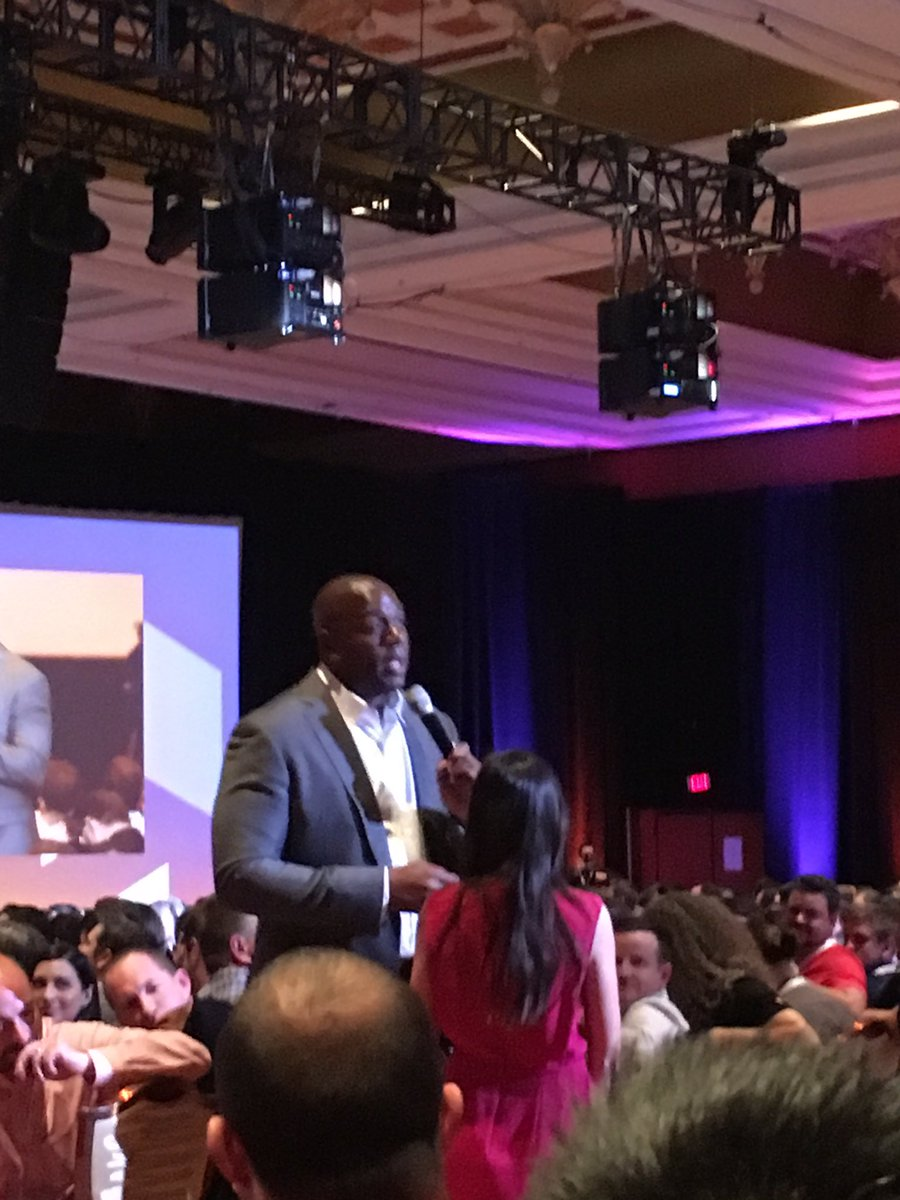 magentogirl: Magic Johnson interacting with the audience #MagentoImagine https://t.co/Y4gOUXhrRv