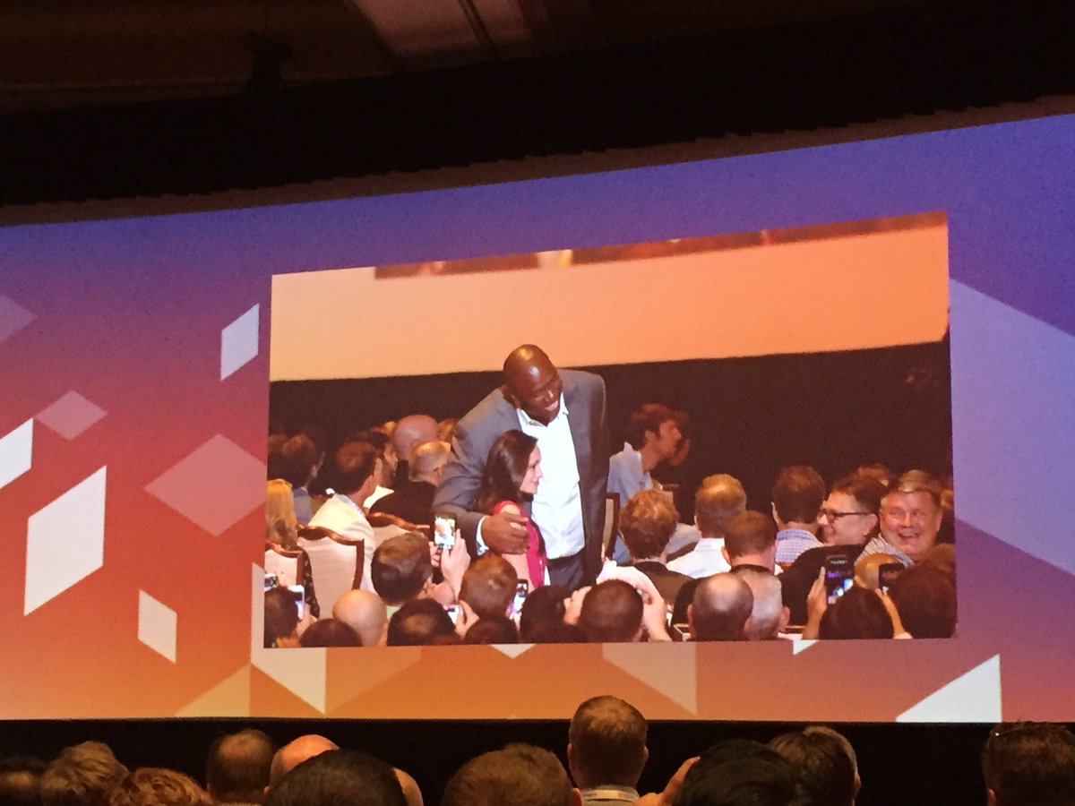 bennolippert: That moment for maria meeting @MagicJohnson at #MagentoImagine AWESOME!!! Those @atwixcom guys know how to roll https://t.co/yIFDYnMxhT