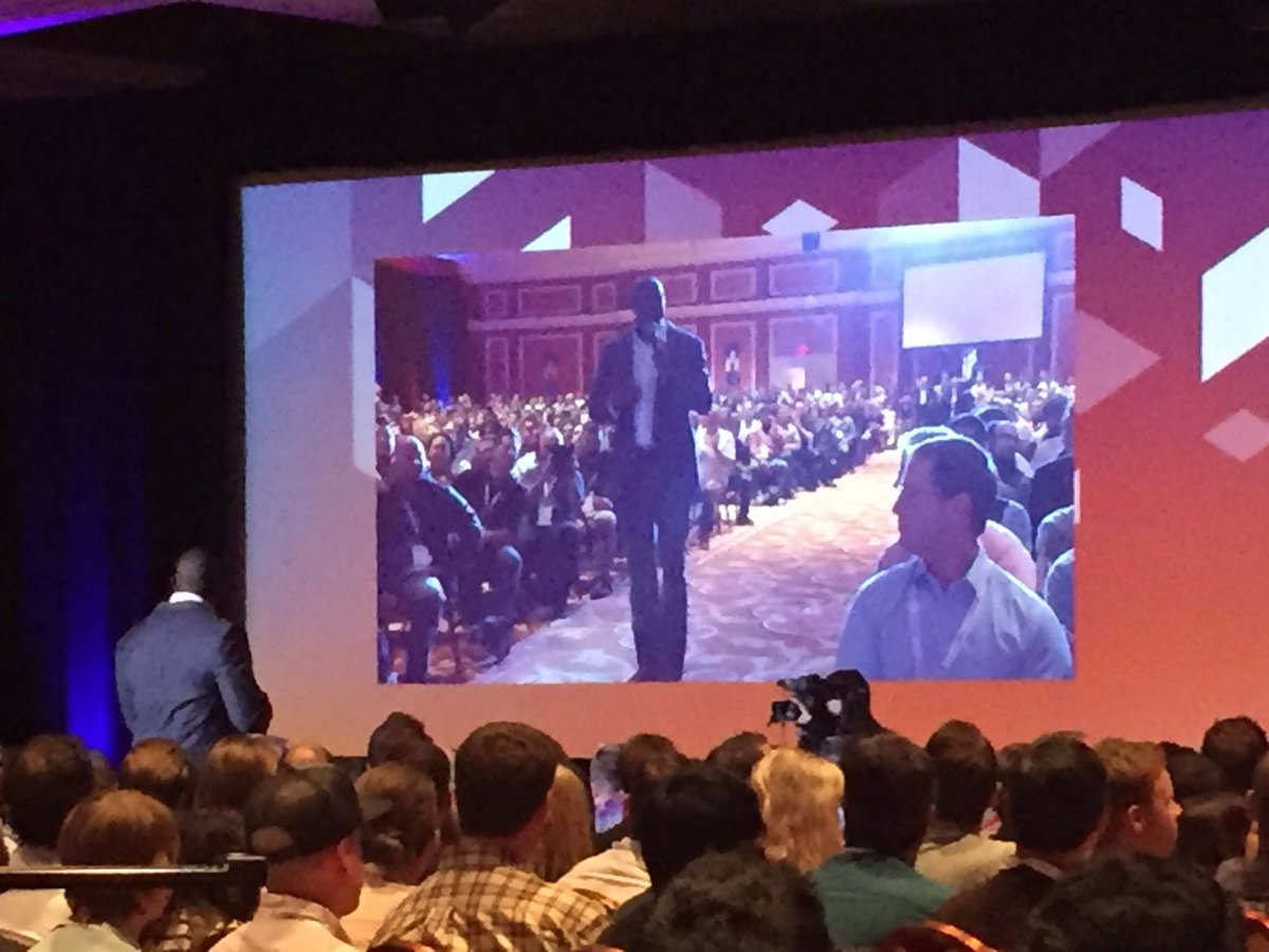 annhud: Magic Johnson inspiring #MagentoImagine @MagicJohnson https://t.co/nlNAQrYZ3m
