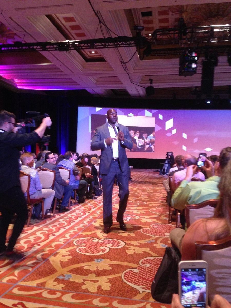 FeefoUsa: The famous #magicjohnson is speaking at #MagentoImagine what an experience for the team!! https://t.co/ENlayBl97N