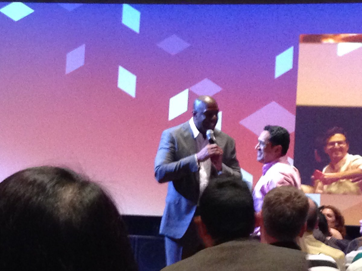 SheroDesigns: Understand your customer & Over deliver for the best results @MagicJohnson #MagentoImagine #customerexperience https://t.co/EtCTCd2fYY