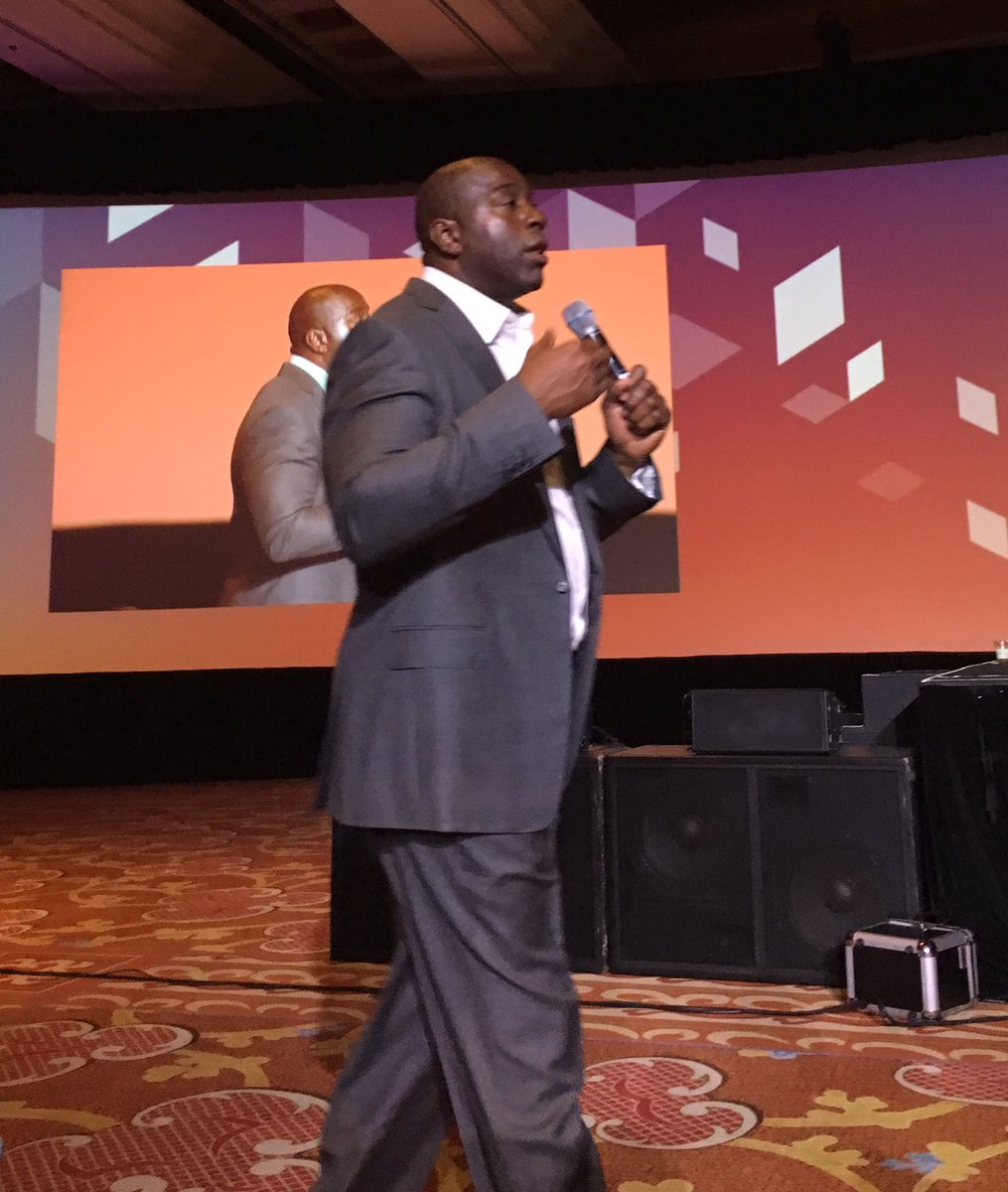 emjean: 'You can do good and do well' re: giving back - Magic Johnson #magentoimagine https://t.co/7orHVvUtMF