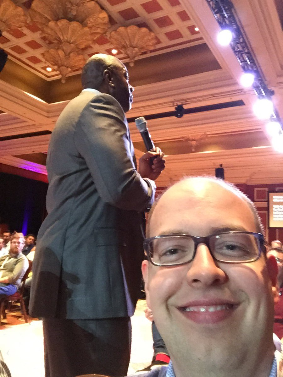 PieterCappelle: Earvin and me. #MagentoImagine https://t.co/AmtmNnWp0I