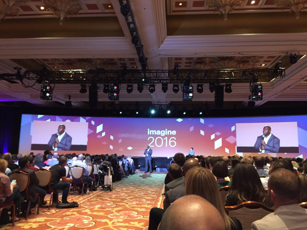 magento_rich: Ok now it's turned into Sports Center here. Basketball stories with @MagicJohnson. Lol. #MagentoImagine https://t.co/Lz2nPqCRdL