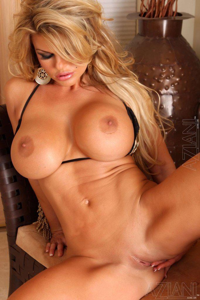 красивые голые телки с большими буферами фото