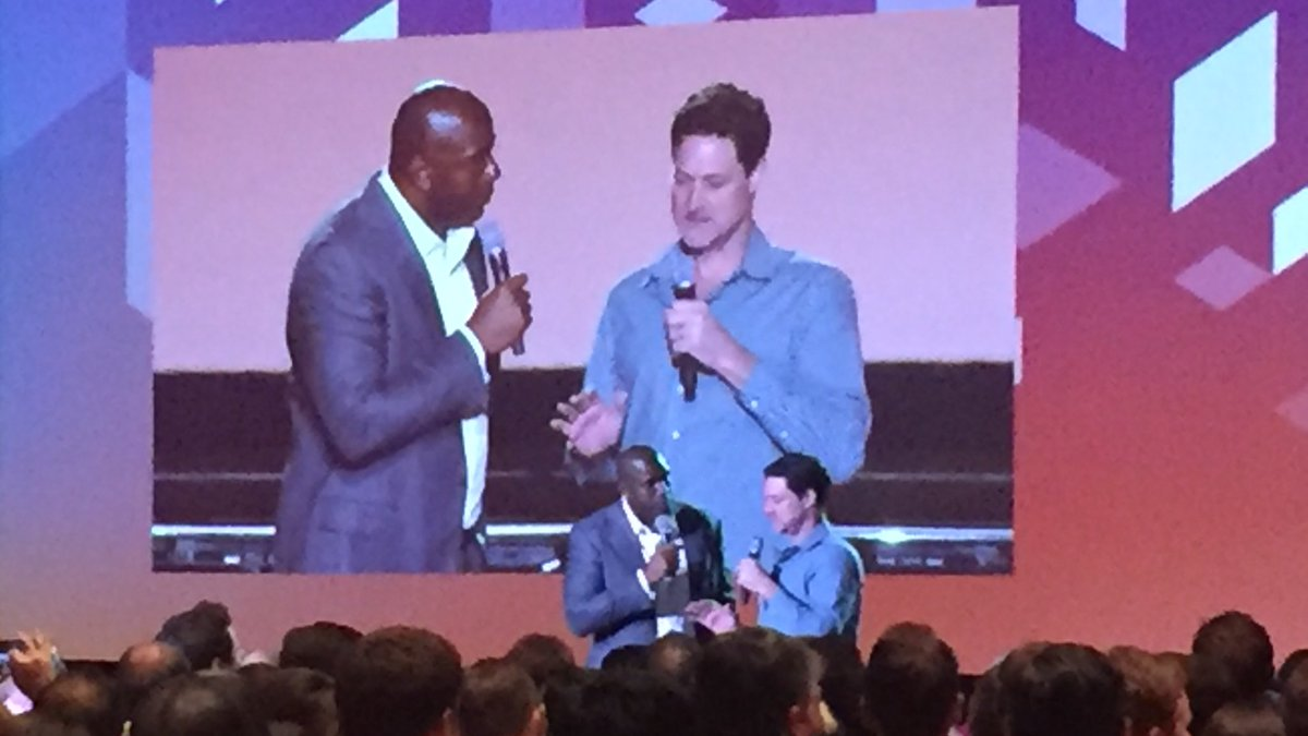 annhud: They're almost the same height! @MagicJohnson and @mklave1 #tallguys #MagentoImagine https://t.co/xGEpMtUDII
