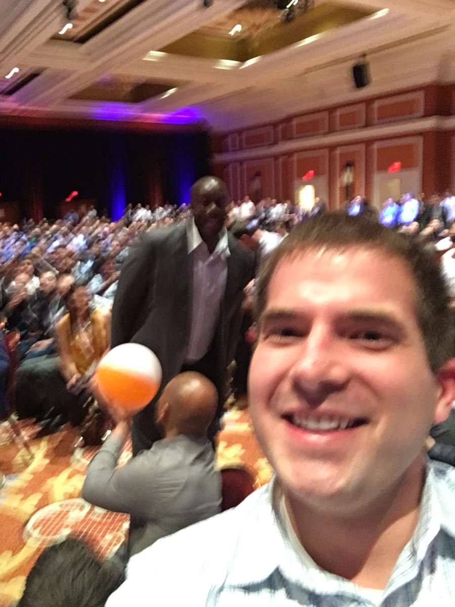 kab8609: Oh hey @MagicJohnson #MagentoImagine. Night made https://t.co/qdYJk5NMLv