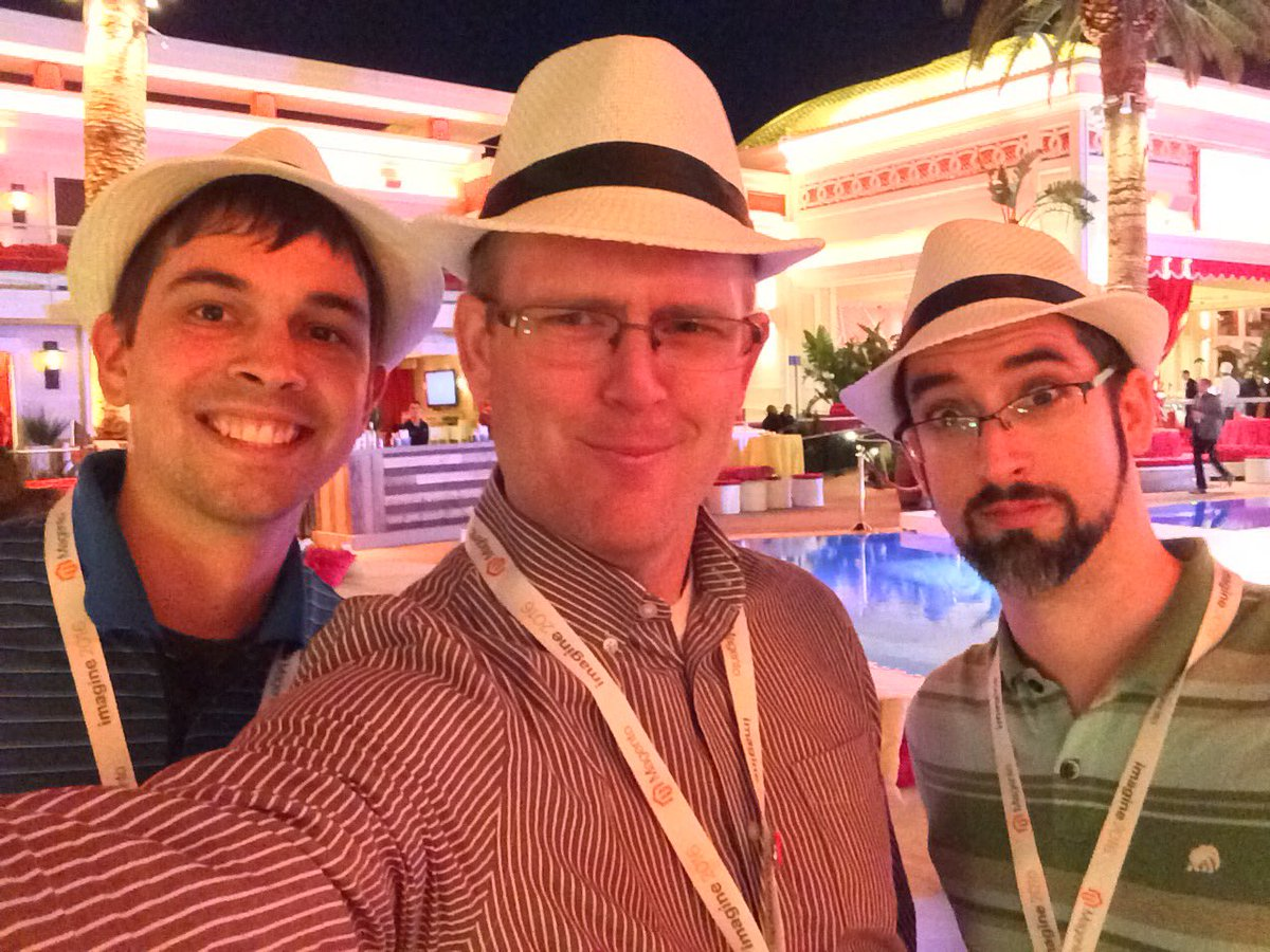 benjaminrobie: #deglife at #MagentoImagine https://t.co/DaioBvXuh5