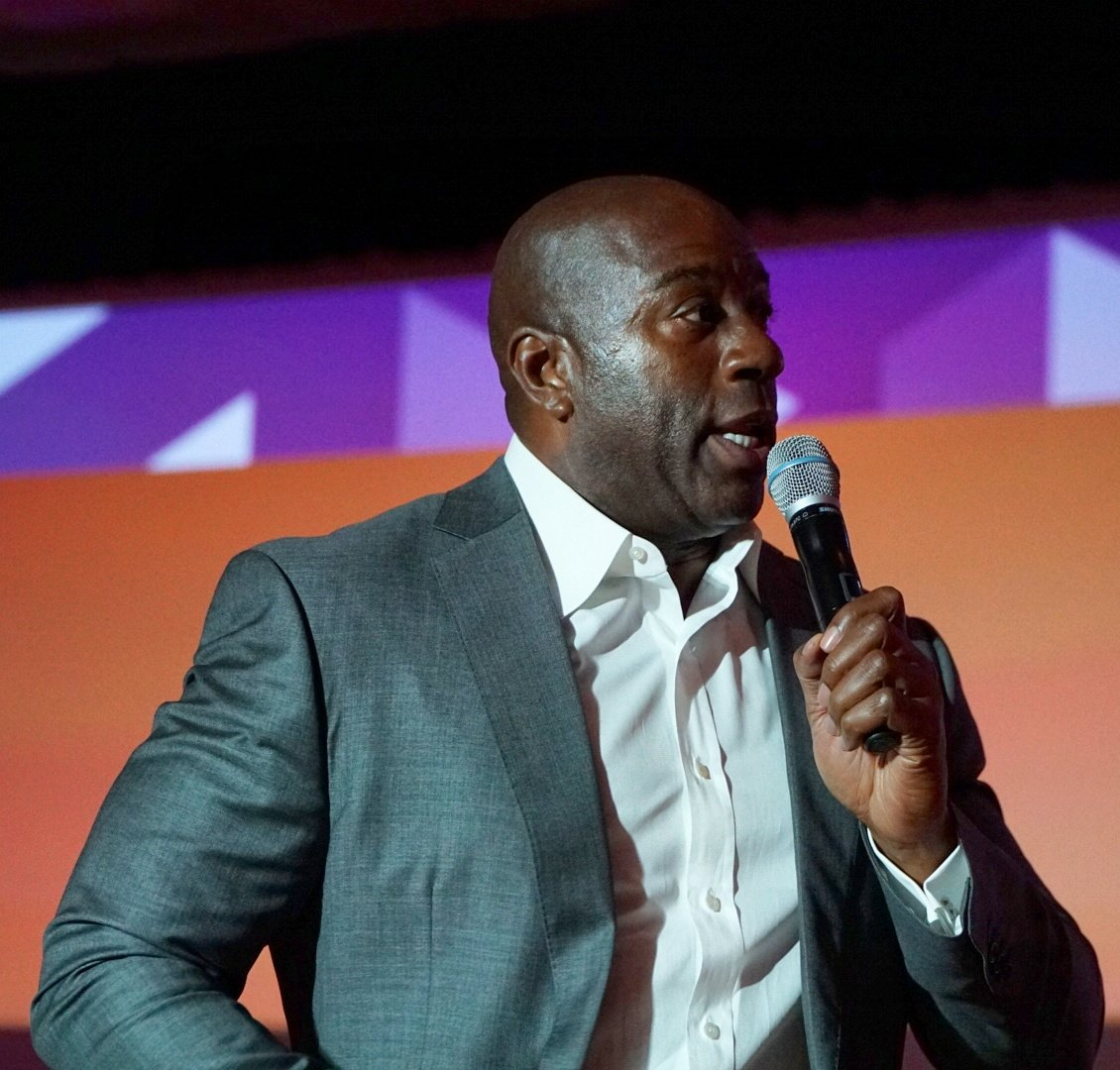 wejobes: @MagicJohnson is in the house! #MagentoImagine https://t.co/CaVH9o1RbB