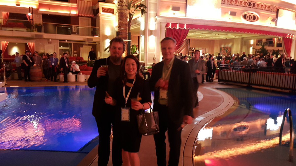 onestepcheckout: Pool party! #MagentoImagine https://t.co/nRtiXKuJ2D