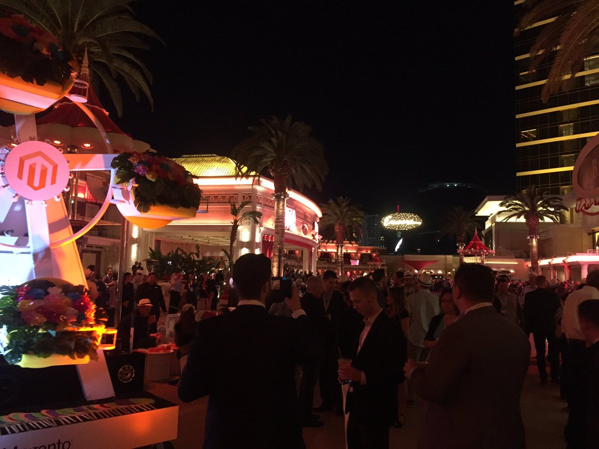 jonnydotdixon: Legendary @magento party #MagentoImagine https://t.co/fxJPNVUeYy