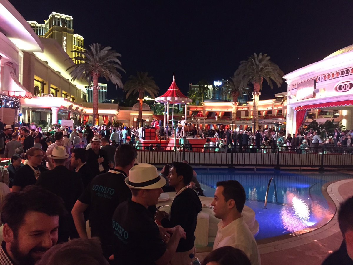 UnboundCommerce: Bravo #MagentoImagine Off the hook party! #impressive. Thank you. https://t.co/pkUqFFZMyS