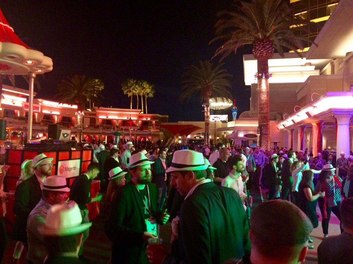 guidance: Gorgeous night at another 'Legendary' Night. Thank you, @magento!!!  #MagentoImagine #Imagine2016 https://t.co/kh3WCnREp7