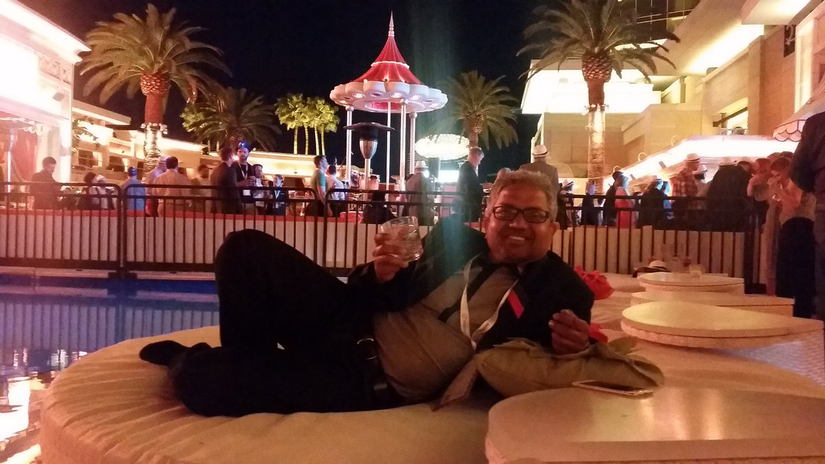 theDJWalsh: @monsoonBharat hard at work! @magentoimagine #PoolParty https://t.co/bcyzH7uJ30