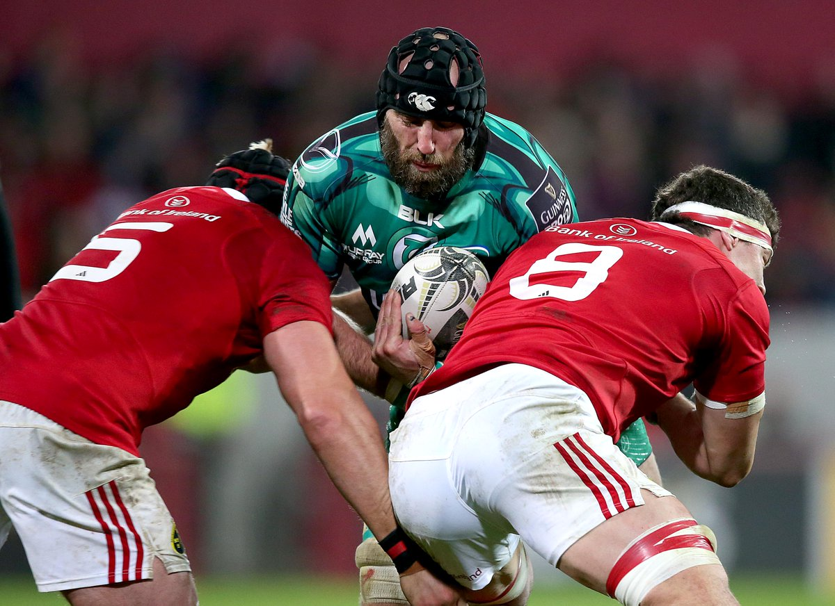 COMP: This is a must-win clash. @connachtrugby fans RT / @Munsterrugby fans LIKE to win tickets @ S/ground on Sat PM https://t.co/RBQzaV7pvp