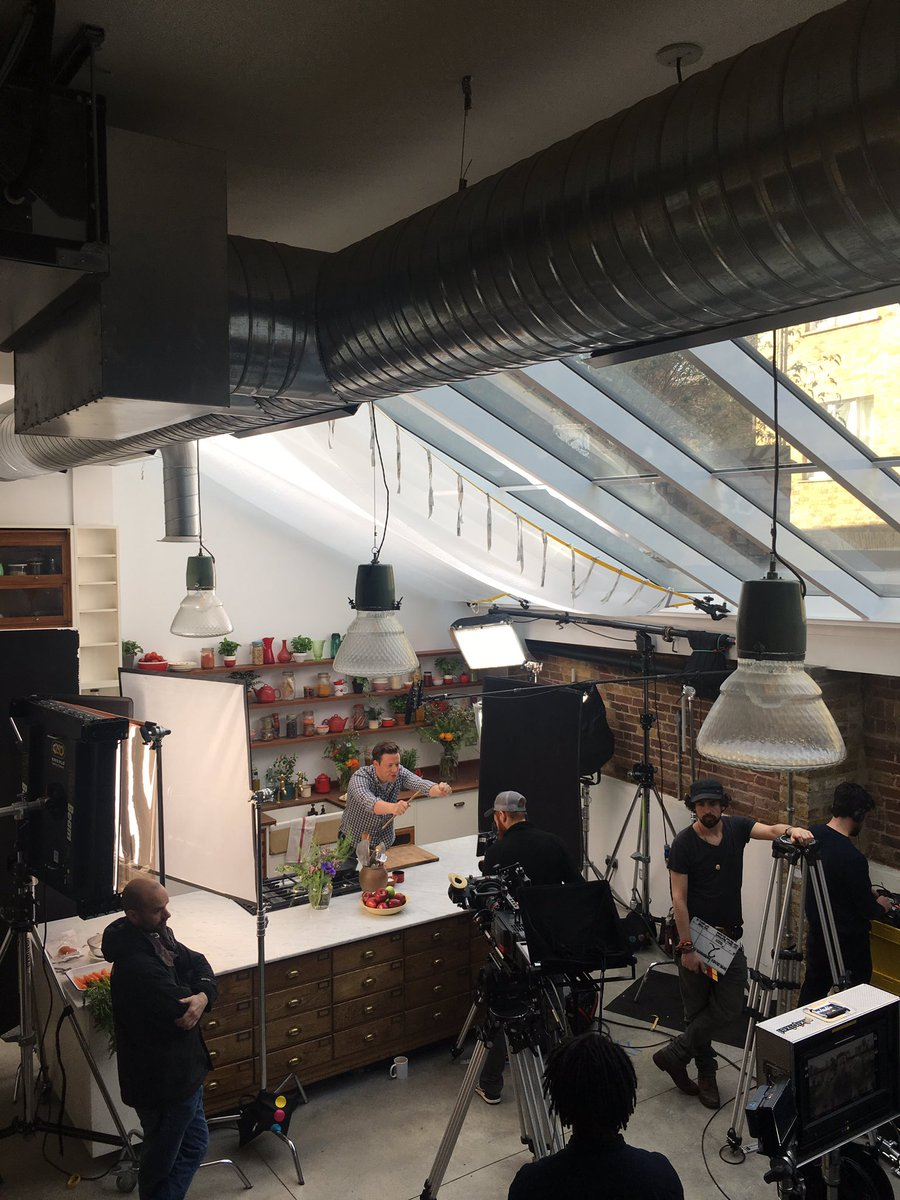 Shooting some really important films today guys.... Stay tuned!! #foodrevolution https://t.co/S0AUBYWr5V
