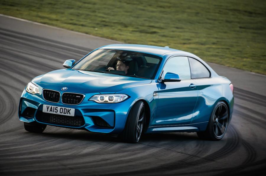 Here's some lunchtime reading for you - new @BMW M2 driven https://t.co/JiQ0h8B7WK https://t.co/9XUrGhBFGD