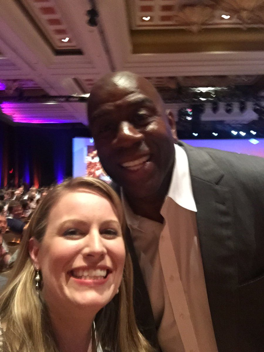 LobsterGram: @LobsterGram (@betsypetrovic) met @MagicJohnson; miss seeing him & @MichaelJordanFC @UnitedCenter #MagentoImagine https://t.co/xYfJjUaydD