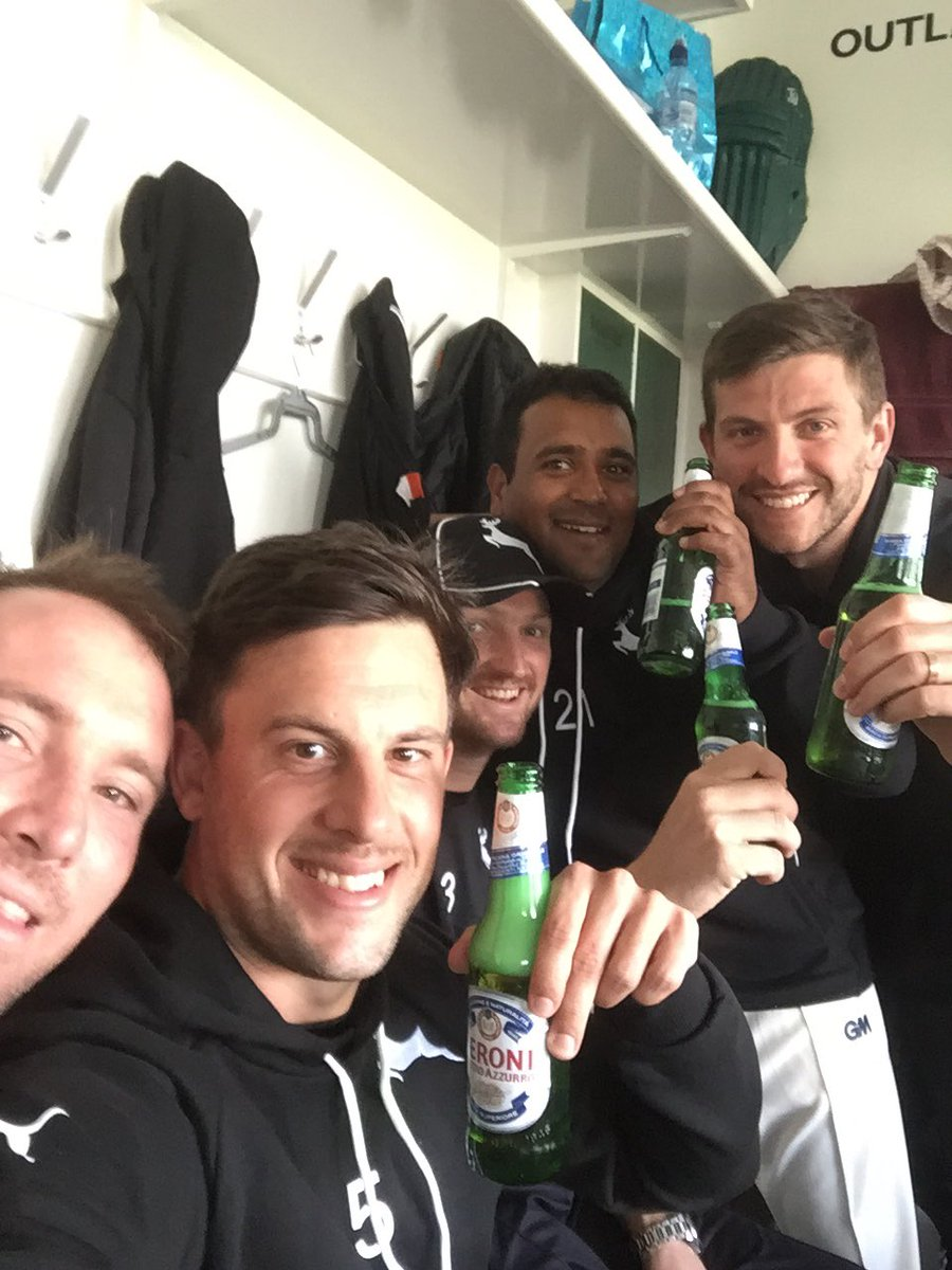 Winners are grinners. Great start. Unbelievable effort especially the bowlers going back to back first game.#outlaws https://t.co/f1unOrfFMz