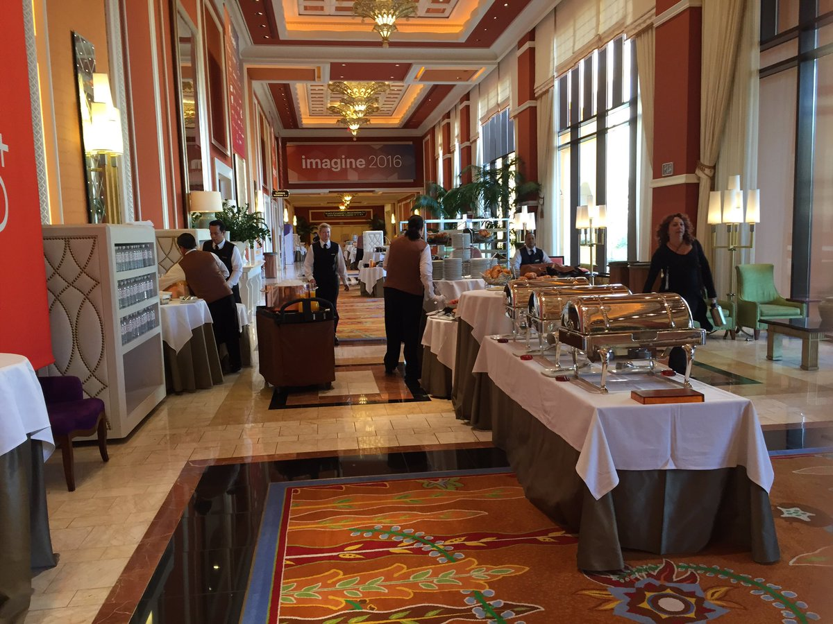 ShipperHQ: Day 3 - this is how you do breakfast at a conference #MagentoImagine https://t.co/N2PwkTT6lS