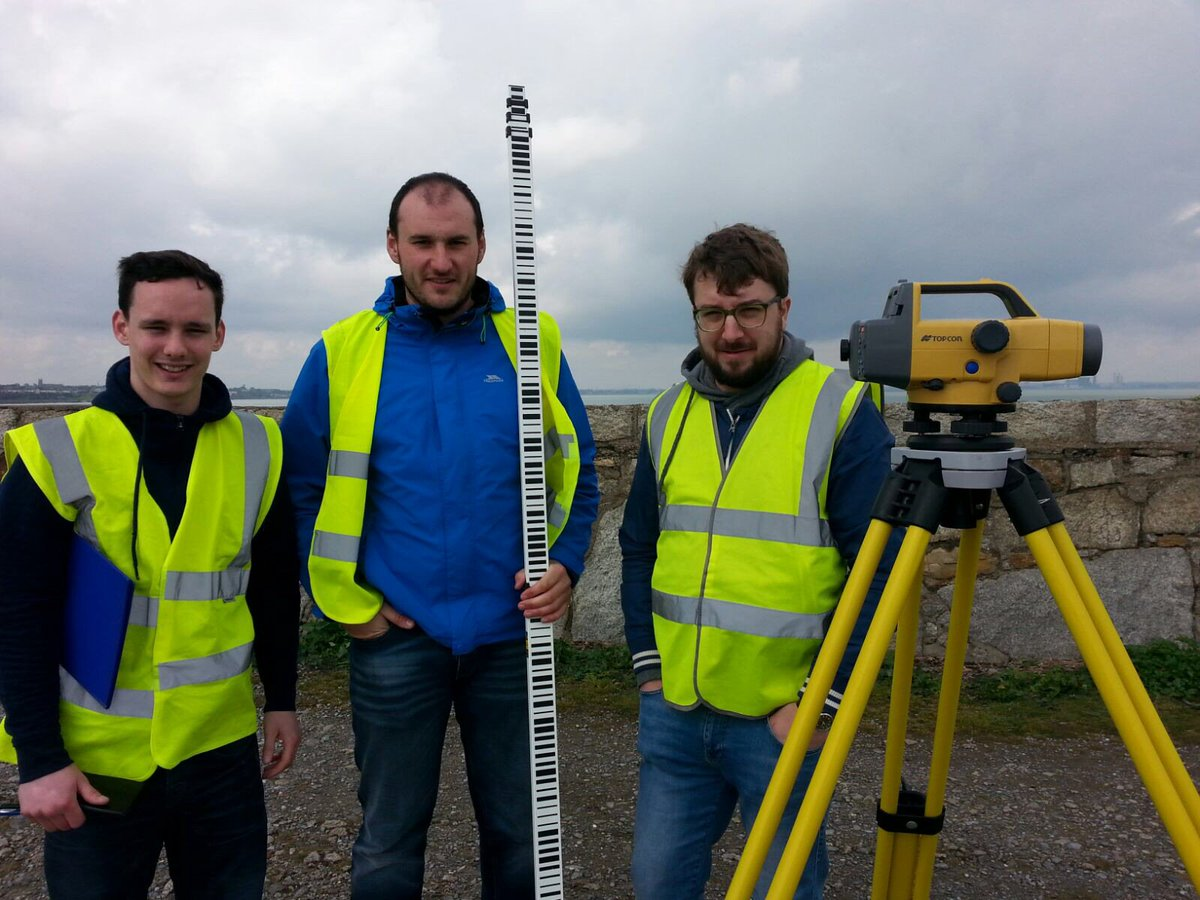 Fantastic mm levelliing results achieved from 2nd yr #Geomatics students with @DLHarbour & @topcon_today https://t.co/xKz625yegG
