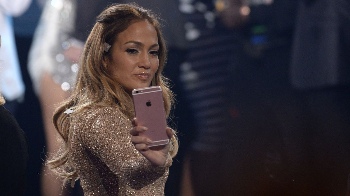 Watch Jennifer Lopez Turn 'Baby Got Back' Into Timeless Poetry