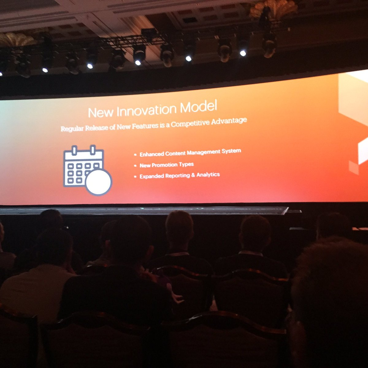 jaalcant: New innovation model #MagentoImagine https://t.co/yyJybZYNvZ