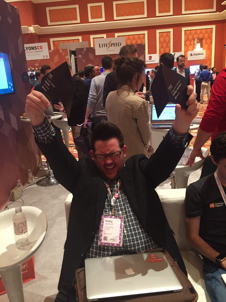 jopaklo: @philwinkle doin his thang #MagentoImagine @SomethingDigitl https://t.co/iC4Zvvgp14