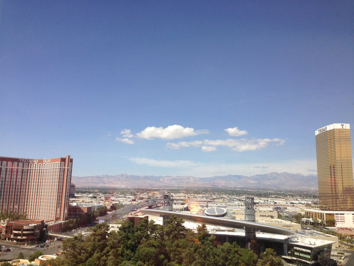 SheroDesigns: Another beautiful day in #lasvegas! #teamshero  #MagentoImagine https://t.co/aTncHXtQc9