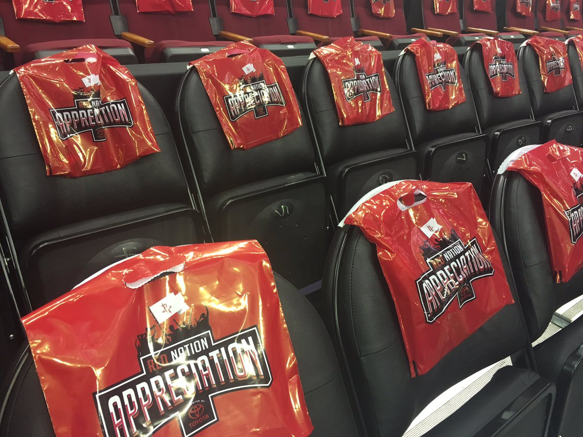 The Rockets are giving away little trash bags as fan appreciation for the season. How apropos. https://t.co/pLgkOOWmjy